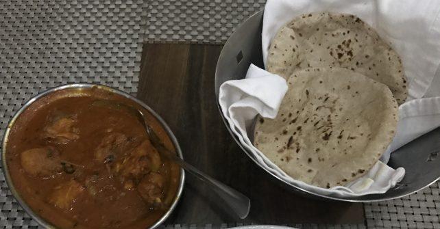 「ナン」ってなんなん?インド人はナンを食べない?
